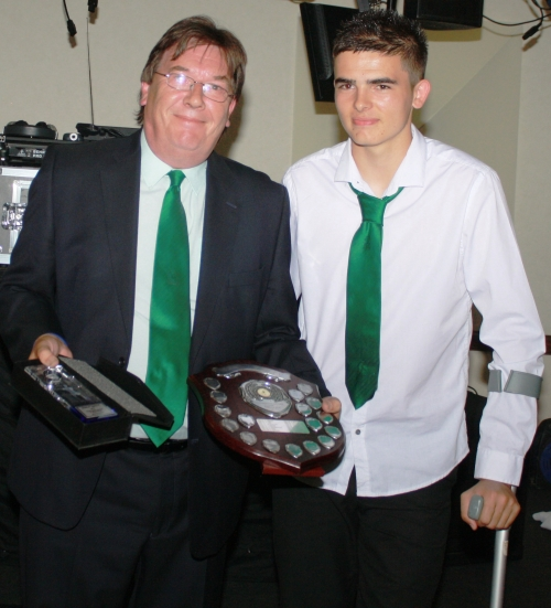 30.6.2012 Stan Donald presents Martyn Dalby with the Chairmans Award for Endeavour