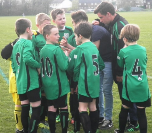 The huddle before kick off