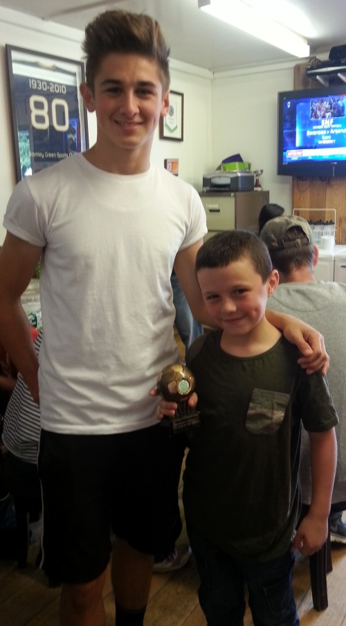 28.9.2013 McDonalds Player of the Match Jack Morton with Connor Robbins