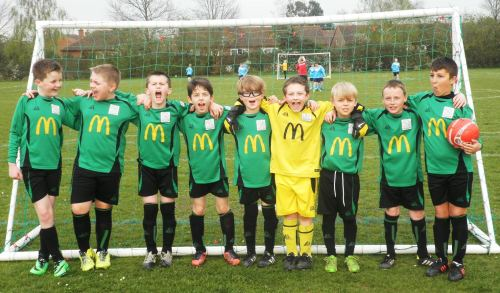 The Green U10s before last night's game at Waterside