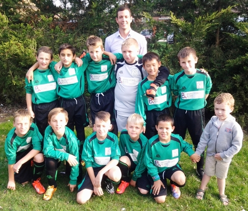 Nick Rowe with the Under 11s squad last night