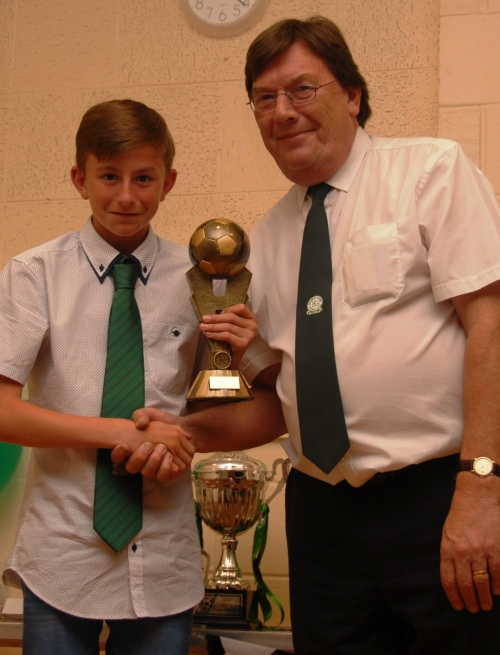 U13s ADYL Player of the Year Charlie Wealands with Stan Donald