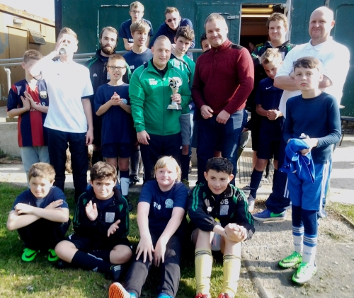 New sponsor Dave Spencer of MONZA with Graham Luckhurst and the Valiants after training yesterday