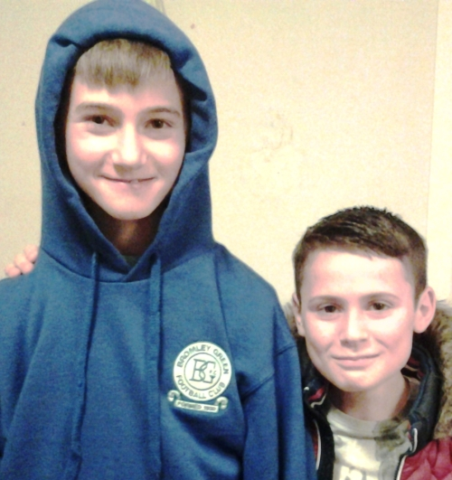 Arman is the first to wear the new Bromley Green hoody. Seen here with Lorenzo, the boys will be part of the U12 team entertaining Smeeth & Brabourne Eagles this morning.