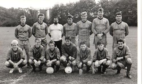 1988 September. Saturday Reserves. Back: John Webster, Mark Giles, Jimmy White (sponsor), Mark Stanley, Michael Lee, Paul Soutan, Peter Intrieri; Front: Nicky Uttley, Mark Smith, Mark Day, Julian Back, Lee McRobert, Paddy Harmer, Trevor Strand