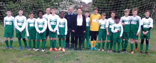 Darren and Dennise of Trinity Flooring meet the U13s before their friendly with Biddenden last night