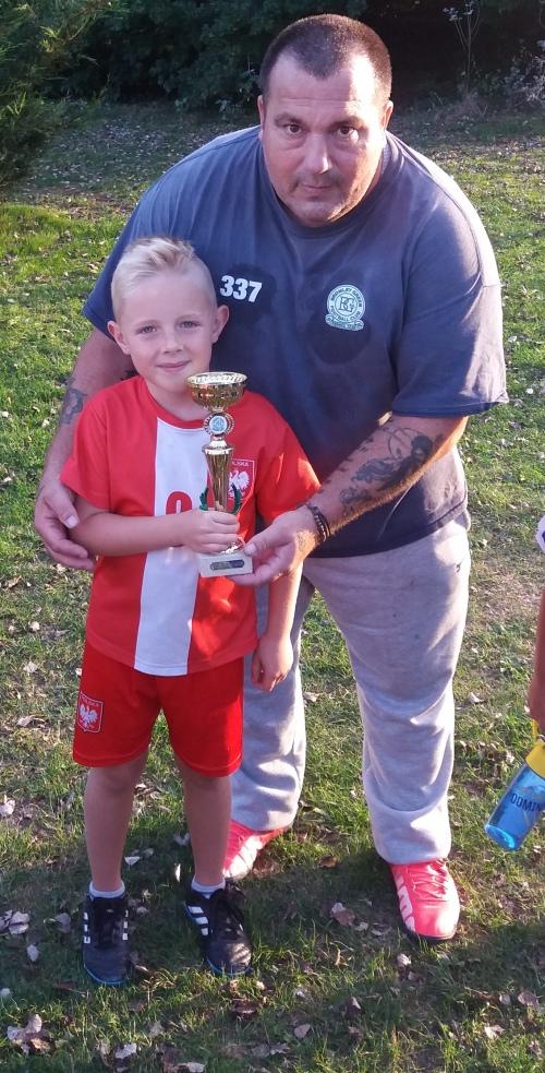 Award for Bartosz from manager Thomas